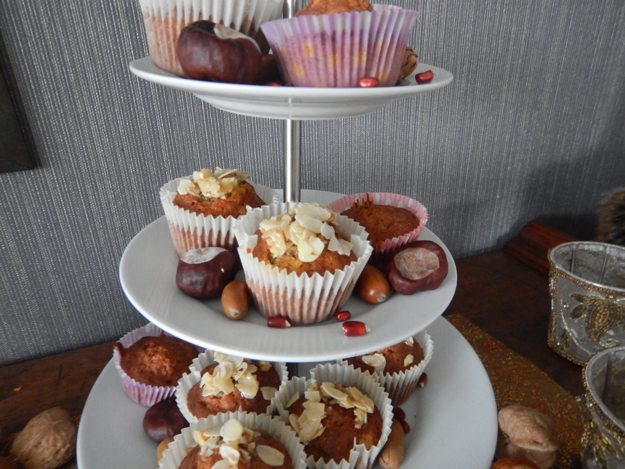 Honey-walnut-almond cupcakes